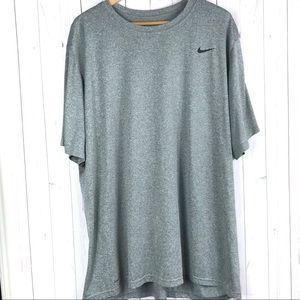 Nike Men's Dri-Fit Silver T-Shirt Size 4XLT